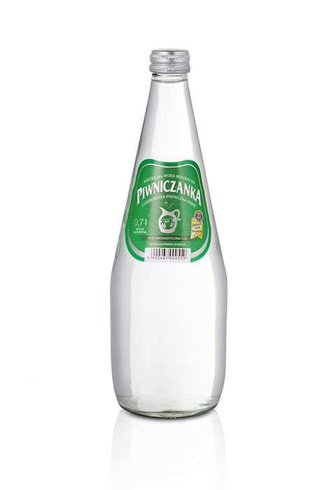 Woda Piwniczanka Średnionasycona CO2 Wysokozmineralizowana 700 ml w szklanej butelce